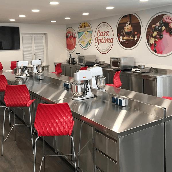 Casa Optima: Wir sind für Sie da! Unsere Eisfachschule hat wieder geöffnet!